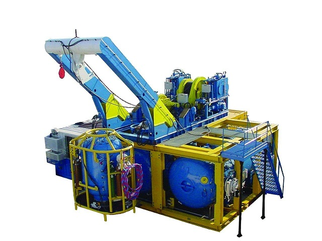 commercial saturation diving systems